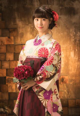 【有村架純】格調高い古典柄が美しい袴