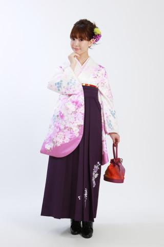 No.870 【小振袖】白紫ラメ花柄W(32,000円)【袴】ライトパープル刺繍(12,000円)※ともに税抜き価格
