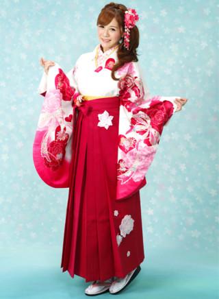 No.589 ピンク地ハートバラ柄着物&立体的な花付きベリーピンク袴