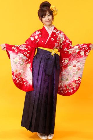 No.685 赤地花柄着物&紫ぼかしの桜地紋袴