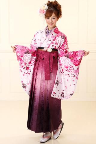 No.688 薄ピンク地の花柄着物&ピンク紫のぼかし桜地紋袴