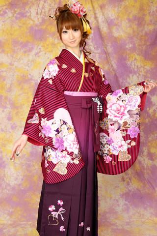 No.710 赤地の黒ストライプ柄着物&ワインぼかしスパンコールリボン刺繍袴