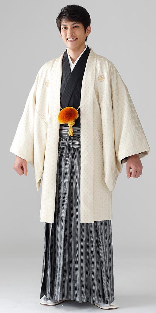 【男子紋服】着物206ベージュドット/袴86銀市松縞セット50,000円(税別)の衣装画像1