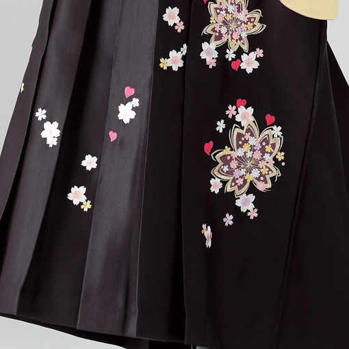 【卒業時装】着物767クリーム/舞桜*はかま398ワイン・黒/ボカシししゅうの衣装画像3