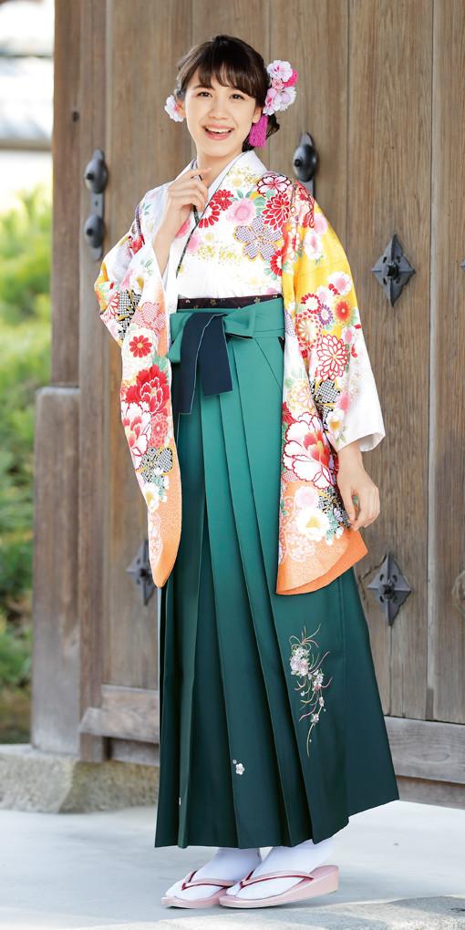 【卒業時装】着物907白/スソ橙*はかま394グリーン/ボカシししゅうの衣装画像1
