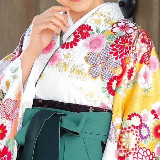 【卒業時装】着物907白/スソ橙*はかま394グリーン/ボカシししゅうの衣装画像2