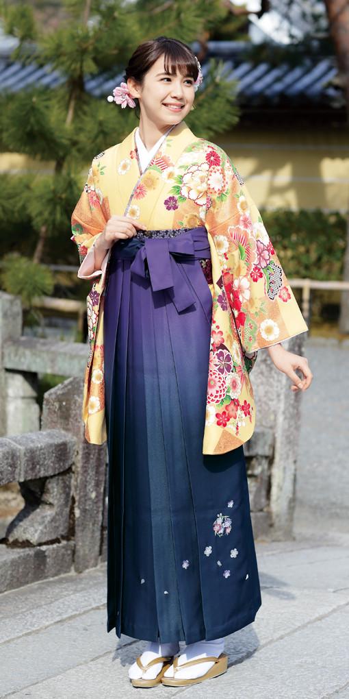 【卒業時装】着物921クリーム/市松*はかま395紫・黒/ボカシししゅうの衣装画像1