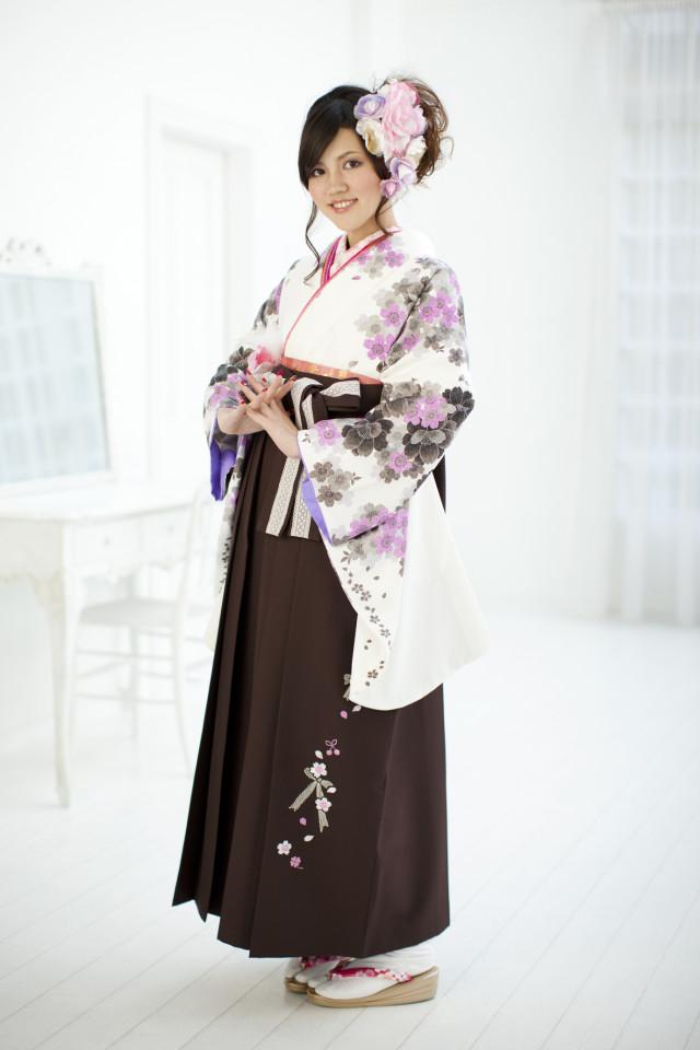 チョコレート色の袴の衣装画像1