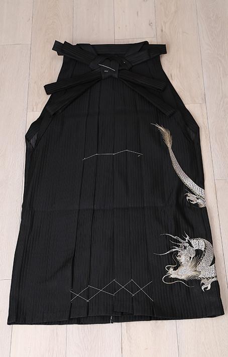 MEN'S袴 刺繍入りの衣装画像1