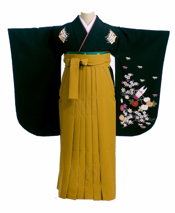 黒地にポイント柄着物と黄土色の袴の衣装画像1