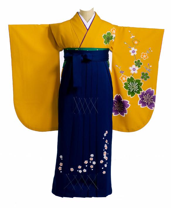 だいだい色地に桜柄着物と紺色の袴の衣装画像1