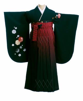 No.1226 黒地にポイント模様の着物と赤黒の袴