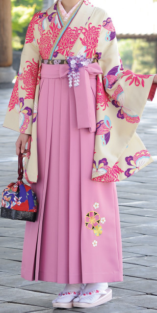 No.1685 ピンク袴&オフホワイト着物