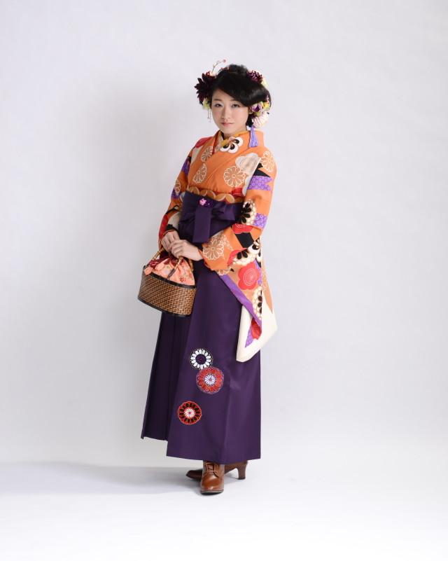 ブランド袴‐山本美月の衣装画像1