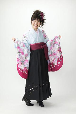 No.1737 【小振袖】水色地・花柄 【袴】紺地
