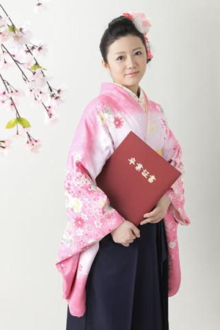 【小振袖】ピンク地・花柄 【袴】紺地