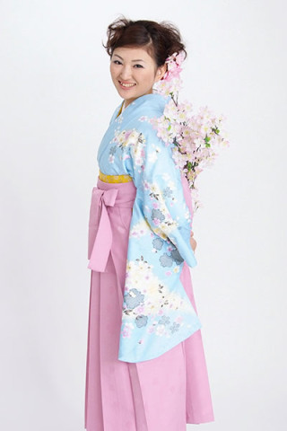 【小振袖】水色地・花柄 【袴】ピンク地