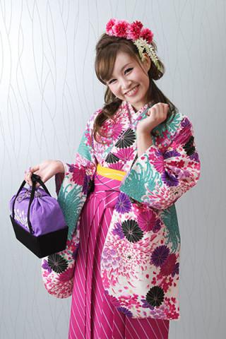 【小振袖】白地・花柄 【袴】ピンク地