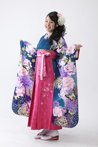 【振袖】青地・花柄 【袴】ピンク地