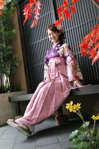 【小振袖】紫地・花柄 【袴】ピンク地