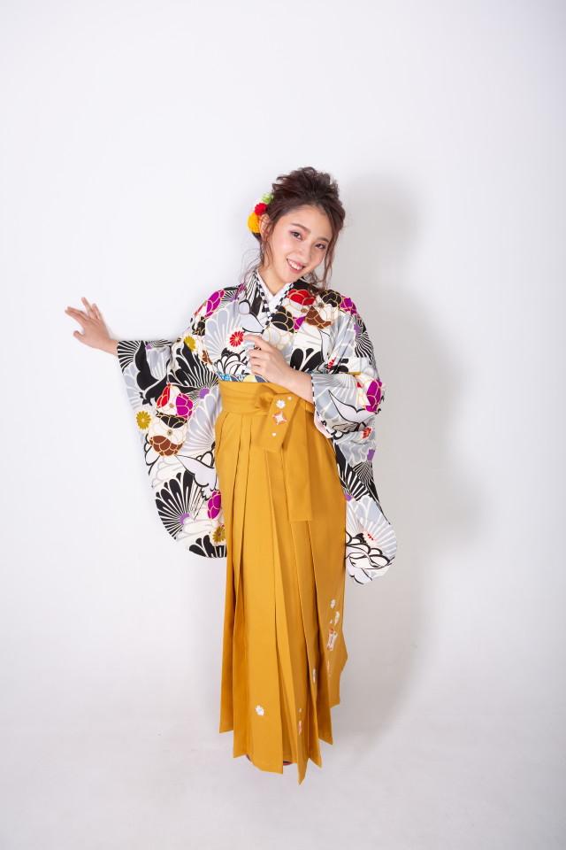 黒地に鶴と菊の衣装画像2