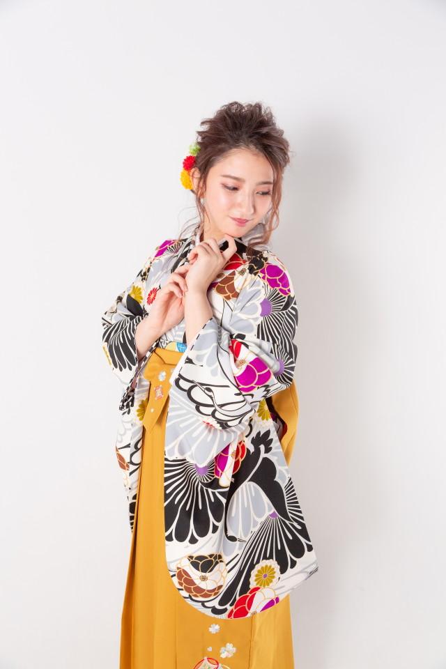黒地に鶴と菊の衣装画像3