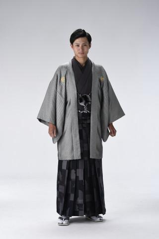 No.3246 スケイル銀黒