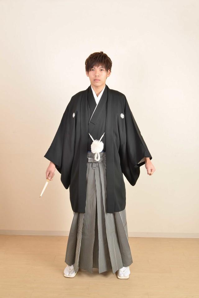 黒 男性袴の衣装画像1
