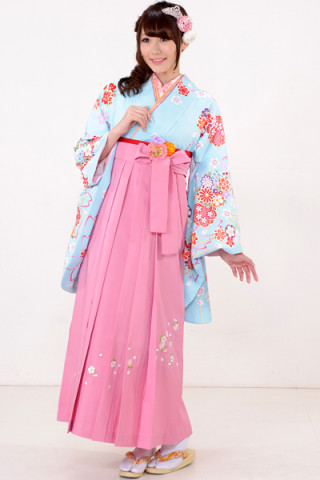 No.604 水色地の桜モチーフ着物&ピンク桜刺繍袴