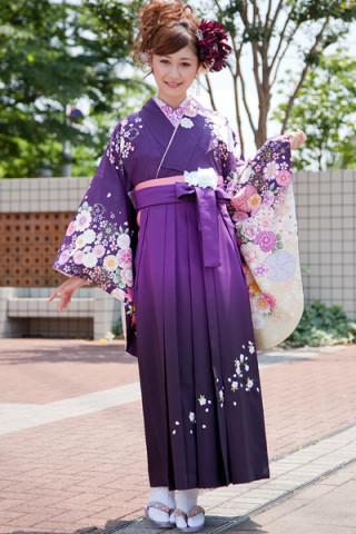 No.746 紫地桜牡丹柄着物&紫ぼかし刺繍袴