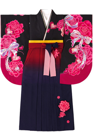 No.764 黒地の妖艶バラ柄着物&立体的な花付きエンジぼかし袴
