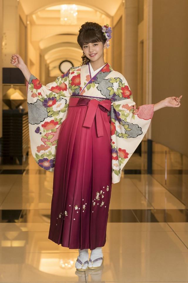 7卒業式袴レンタルの衣装画像1