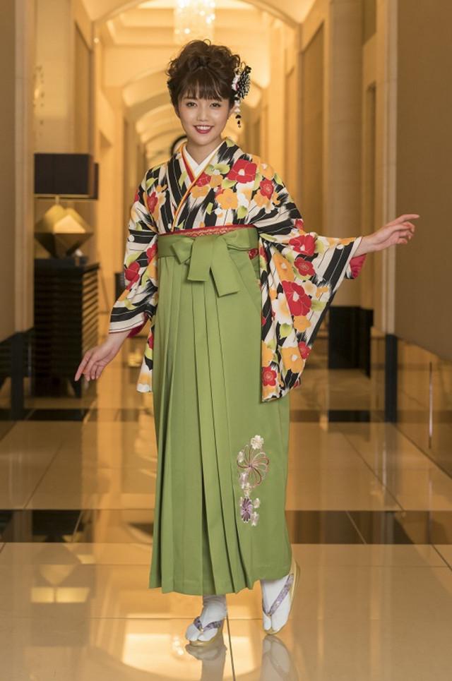 9卒業式袴レンタルの衣装画像1