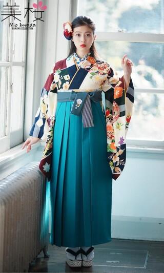 今田美桜着用の2尺袖きもの クリーム/紺