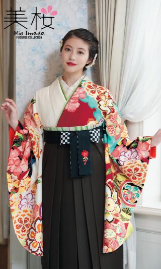 今田美桜着用の2尺袖きもの 白地/赤