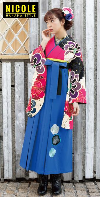 藤田にこるんの可愛い2尺袖とおしゃれな青の袴の衣装画像1