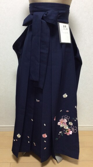 No.5567 161cm〜165cm 紺色 刺繍柄