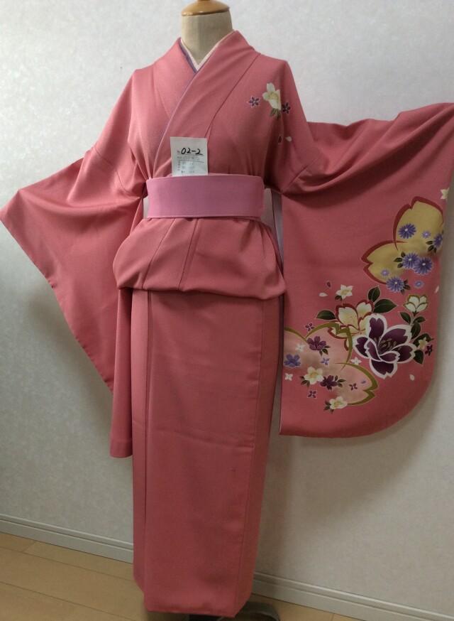 ピンク色 花柄の衣装画像1